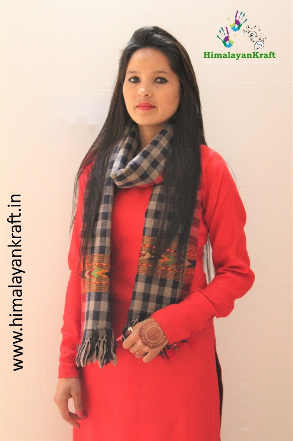 HimalayanKraft's Black White Stripped Traditional Design Kullu Stole-www.himalayankraft.in