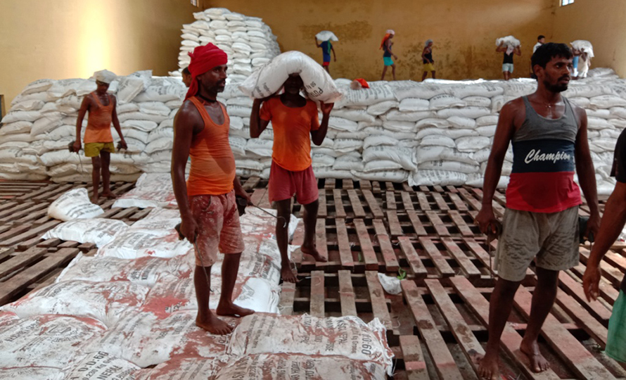 No customs duty on chemical fertilizers to farmers, exemption on induction cooker