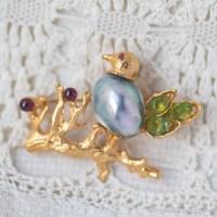 Swoboda スワボダ-天然石とセブパール真珠のバード・ブローチ