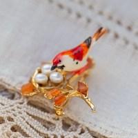 Swoboda スワボダ-天然石-鳥の巣赤い鳥ブローチ