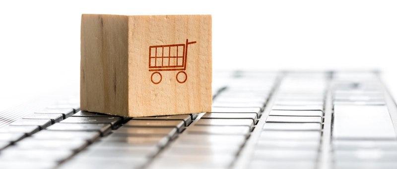 С какво информационните текстове се различават от продаващите