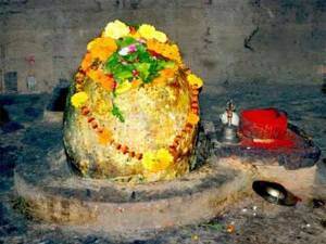 Bijli-Mahadev-Temple-Kullu-Shiva-Lingam