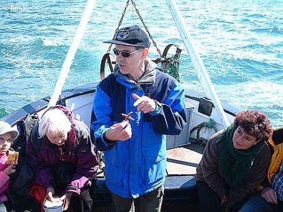 Ferð um Sundin í Reykjavík í maí 2005. Konráð Þórisson líffræðingur og leiðsögumaður.