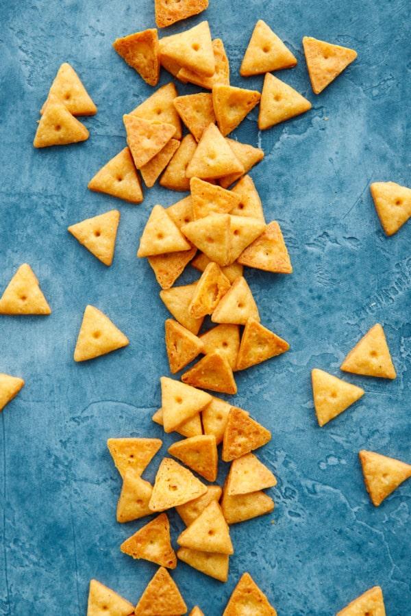 easy cheese crackers recipe
