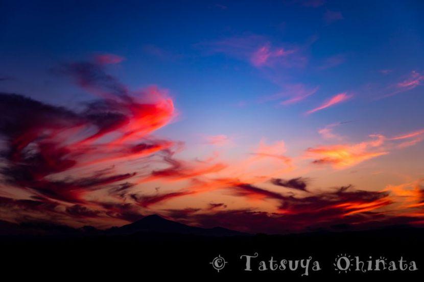 夕日と鳥海山