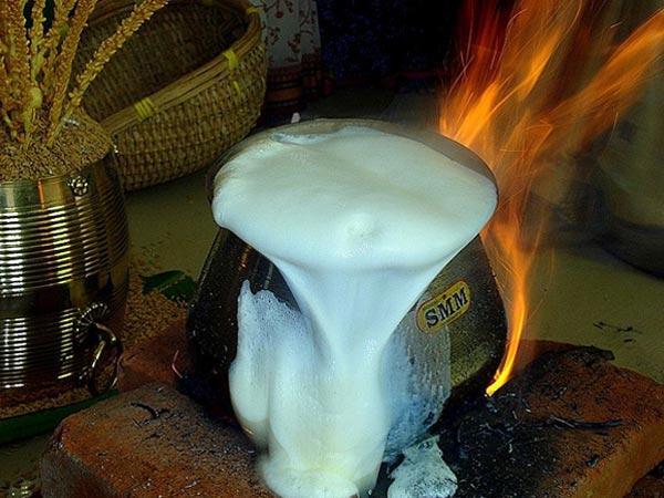 दूध इतना ही उबालें