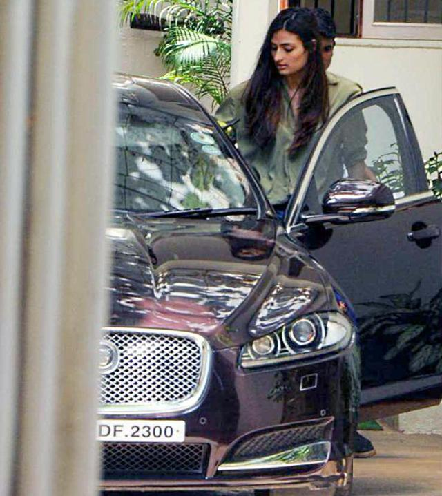 Athiya Shetty Jaguar Sale 2