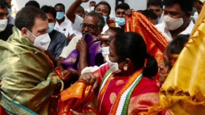 राजनीतिक संकट के बीच, Rahul Gandhi पुडुचेरी पहुंचे