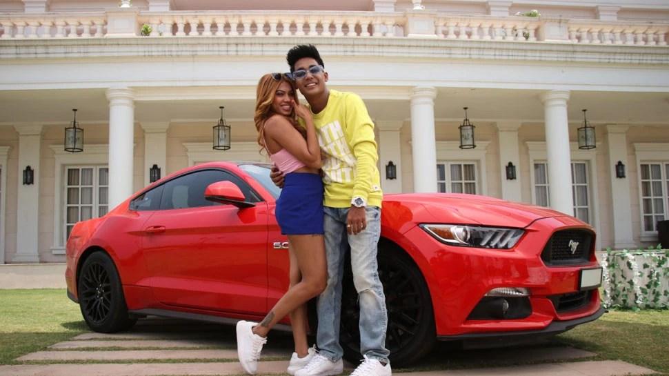 Rohit Jinjurke and Nita Shilimkars song Bimariyan trending with 12 million on YouTube    Rohit Jinjurke and Nita Shilimkar's song Bimariyan trended, got 12 million views