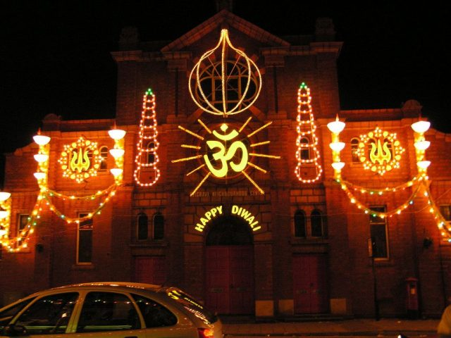 united_kingdom_leicester_belgrave_rd_diwali_lights_2006