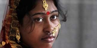 लड़कियों के संघर्ष पर हावी पितृसत्ता की अधीनता