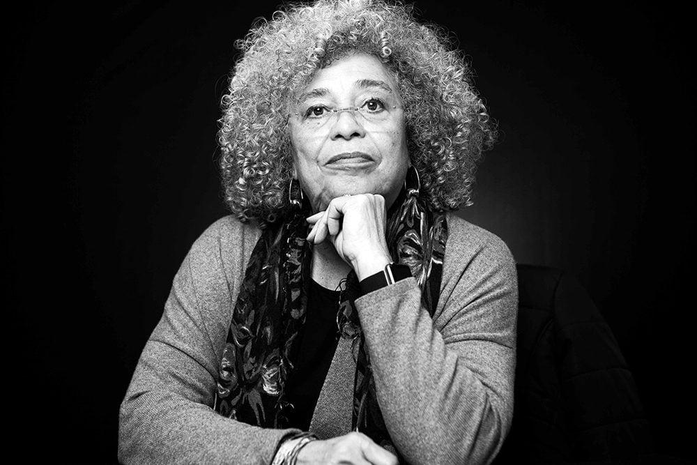 एंजेला डेविस: एक बागी ब्लैक नारीवादी क्रांतिकारी
