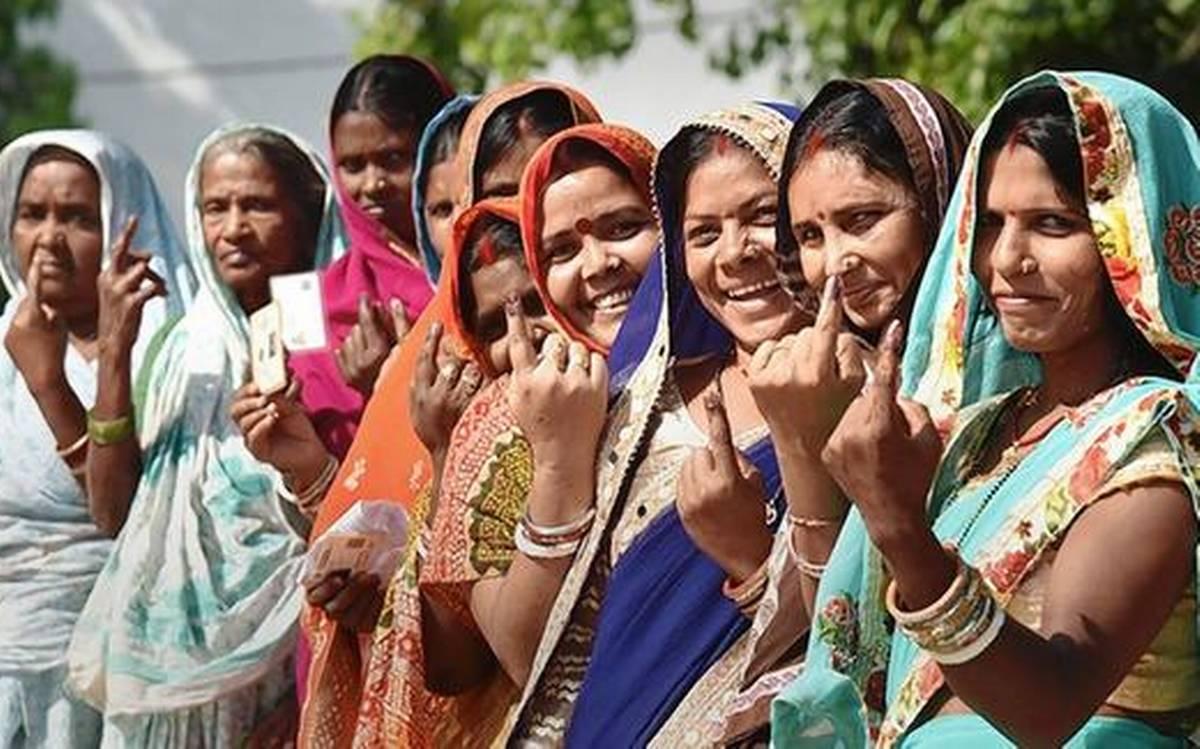 बिहार विधानसभा चुनाव 2020: जब टिकट ही नहीं मिलता तो सदन तक कैसे पहुंचेंगी महिलाएं
