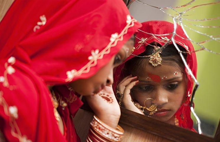 लड़कियों की शादी की न्यूनतम उम्र बढ़ाना समस्या का हल नहीं