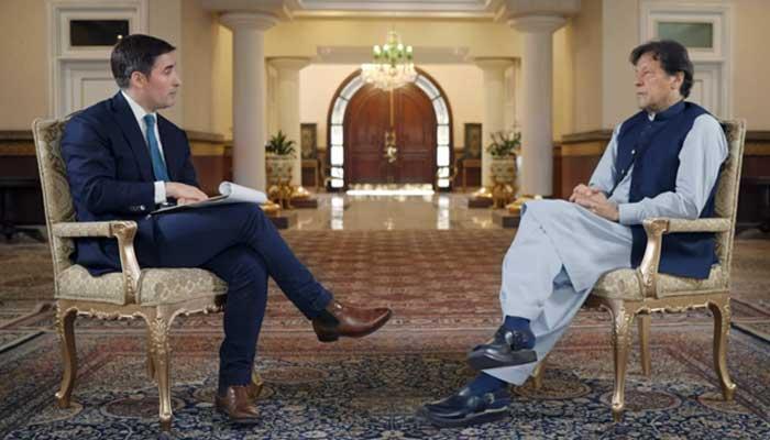पाकिस्तान के पीएम इमरान खान के महिला-विरोधी बयान में आश्रय ढूढ़ती पितृसत्ता