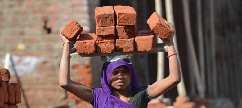परिवार और नौकरी के बीच महिलाओं का संघर्ष
