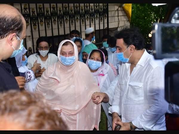 Saira Banu expressed gratitude to Prime Minister Narendra Modi and Chief Minister Uddhav Thackeray
