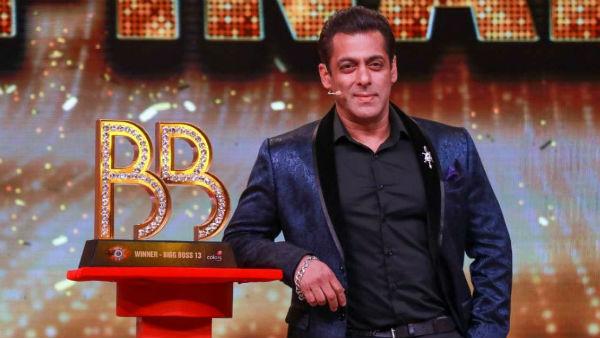 Salman's fun with his singing