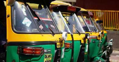 सड़क दुर्घटनाग्रस्त की मदद कर अस्पताल ले जाने वाले ऑटो ड्राईवर को दिल्ली सरकार देगी नकद इनाम