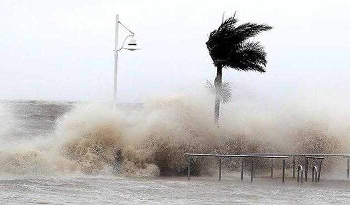 -Ronu-raised-by-storm-in-Andhra-orgy-was-alert-issued