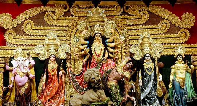 दुर्गापूजा: बंगाल के लोगों में पूजा की इतनी खुशी होती है जैसे घर में शादी…