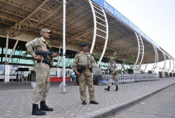 आंतकी हमला होने की आशंका के चलते एयरपोर्ट हाई अलर्ट पर