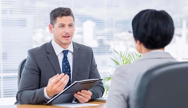 इंटरव्यू में इन बातों का भूलकर भी जिक्र न करें