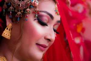 Keep these things in mind during bridal makeup in summer