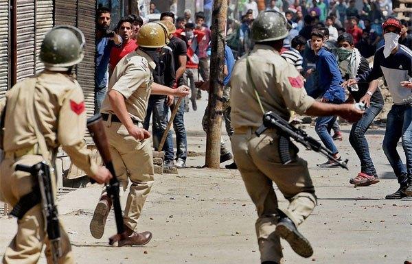 जम्मू कश्मीर, पत्थरबाज़ और सेना के जवान