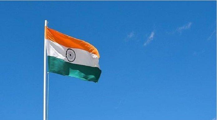 हिंदुस्तान के भीतर, हिंदुस्तान के छात्रों को, हिंदुस्तान का झंडा फहराने के लिए करना पड़ रहा है आन्दोलन