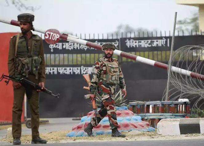 श्रीनगर और अवंतीपोरा में अलर्ट जारी