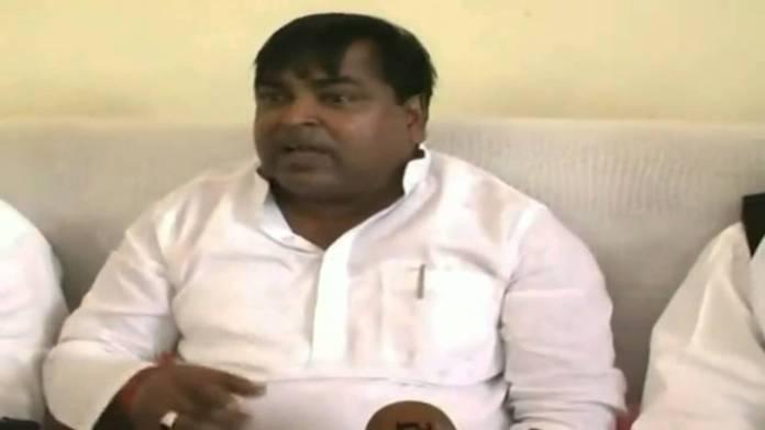 सपा नेता गायत्री प्रसाद