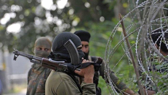 कश्मीर में आतंक