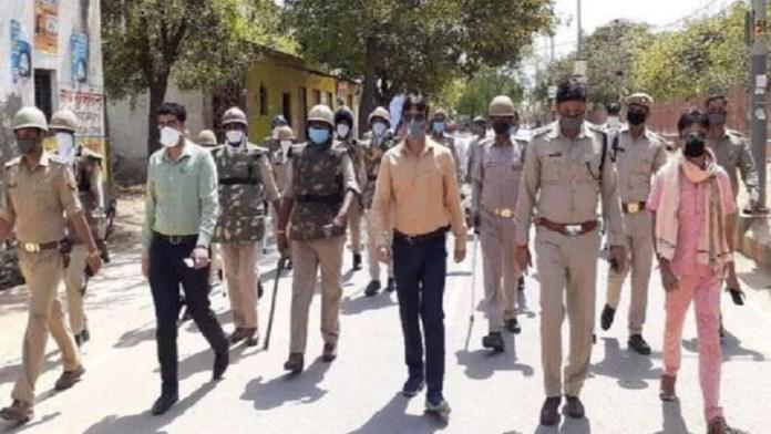 मथुरा, पुलिस पर हमला