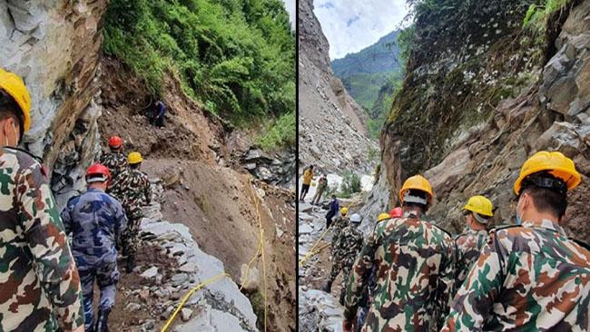 नेपाली सेना की वर्दी में चीनी दल