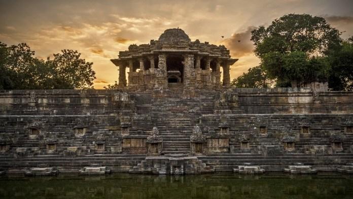 गुजरात, मोढेरा सूर्य मंदिर