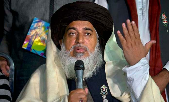 इस्लामिक धार्मिक उपदेशक तहरीक-ए-लब्बैक पाकिस्तान (टीएलपी) के प्रमुख अल्लामा खादिम हुसैन रिज़वी