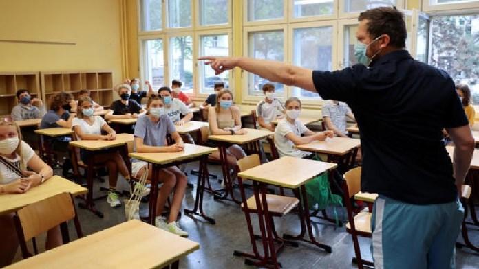 फ्रांस, शिक्षक, छात्र, धमकी