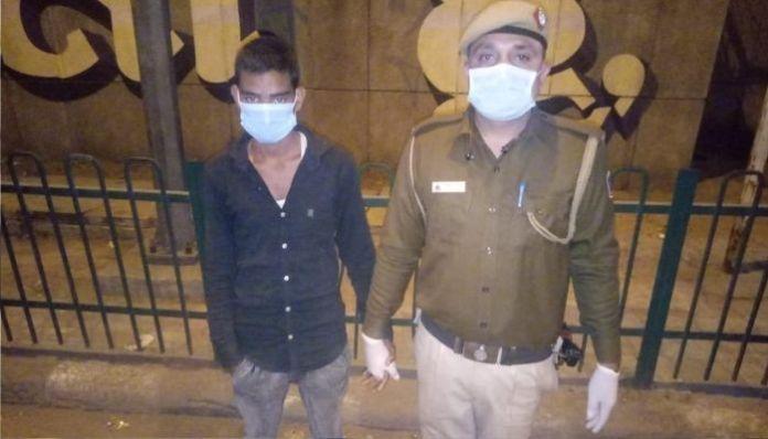 शोएब खान, दिल्ली पुलिस