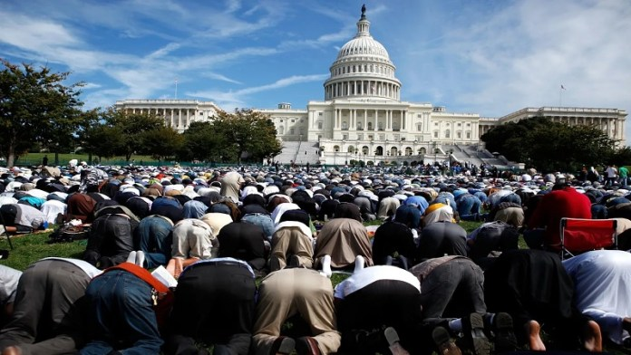 कैपिटल हिल, नमाज, मुस्लिमों