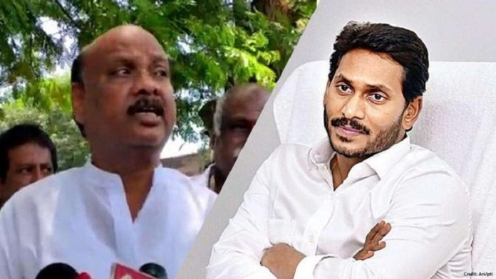 टीडीपी के वरिष्ठ नेता का आंध्र सरकार पर बालों की तस्करी का आरोप