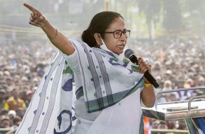 ममता बनर्जी चुनाव आयोग