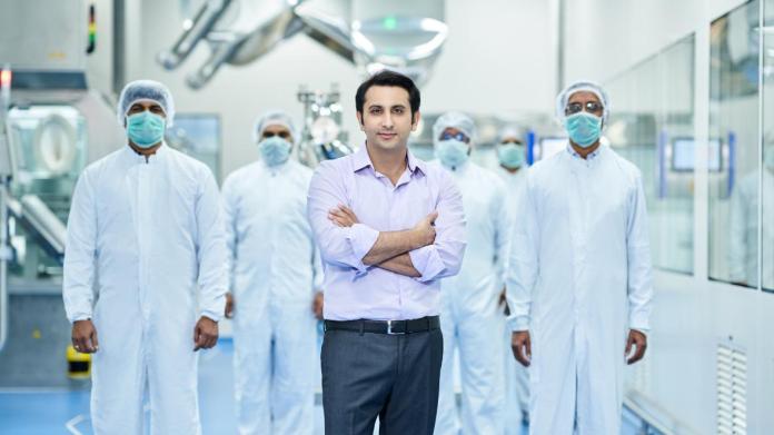 पूनावाला ने ब्रिटेन में निवेश की घोषणा की है