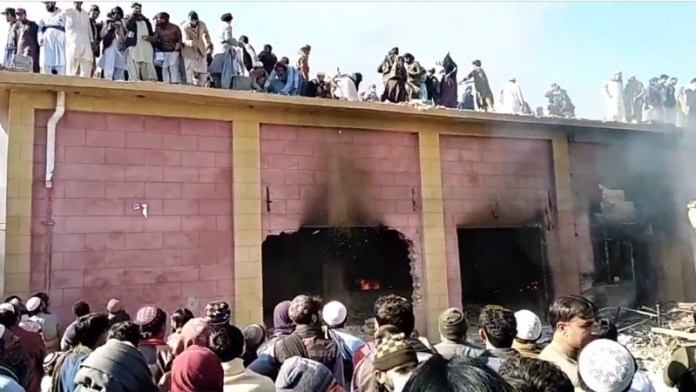 हिंदी मदिर जलाने वाले 350 लोगों का केस पाकिस्तान ने वापस लिया