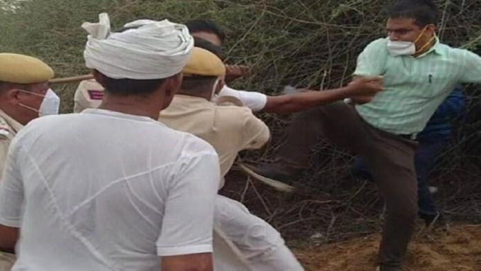 राजस्थान SDM किसान लात