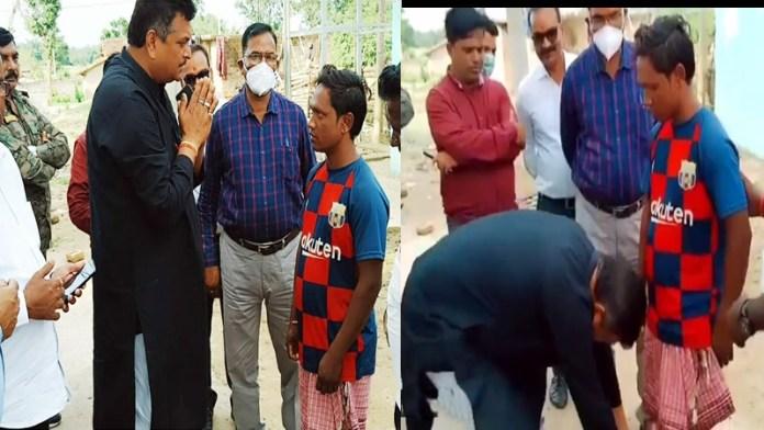 हजारीबाग में घर वापसी करने वाले युवक के बीजेपी विधायक ने छुए पैर