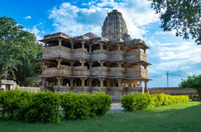 राजस्थान के डूँगरपुर में स्थित देव सोमनाथ मंदिर