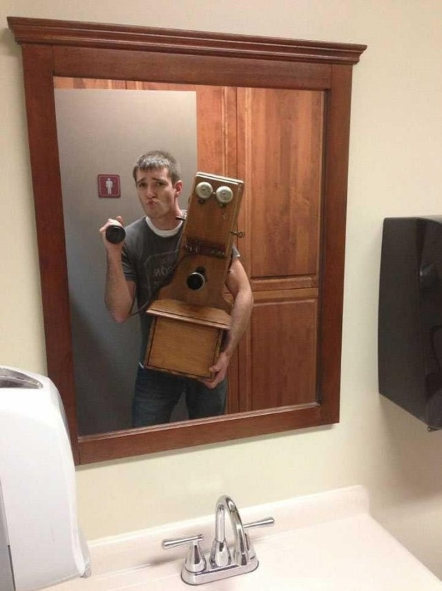 20 People Who Took a Strange Selfie, and the Whole Internet Loved It