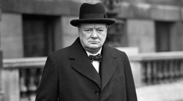 Winston Churchill Quotes in Hindi