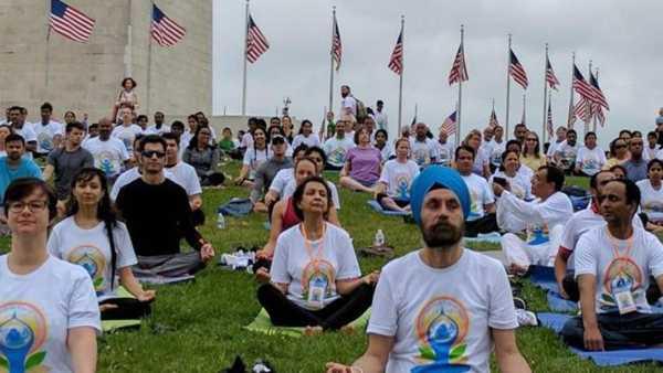 Yoga Day Shayari in Hindi